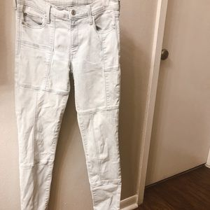 Detailed high waisted light wash GAP jeans